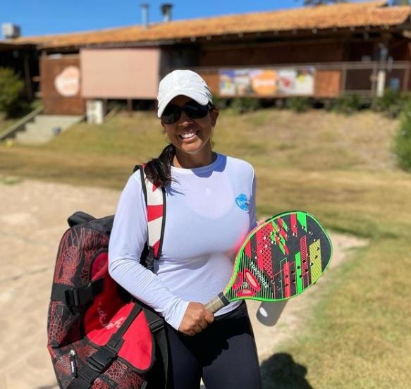 Fabiane Vega, praticante e instrutora de beach tennis | foto: Arquivo pessoal
