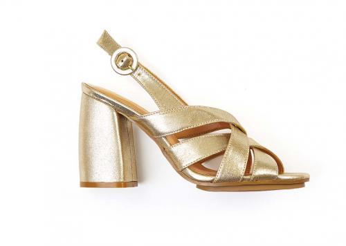 Sandálias R$319 Gleire