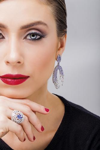 Brinco e anel de tanzanitas e diamantes Laura Marchi