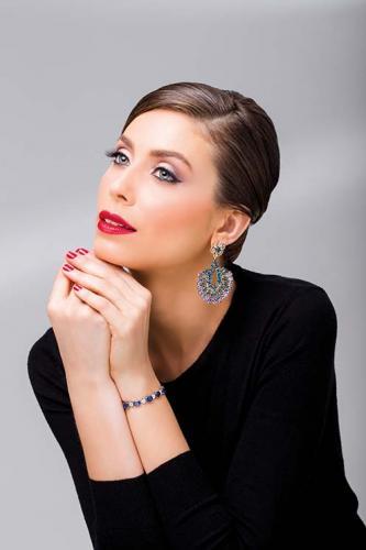 Brinco de topázio azul e tanzanitas, pulseira de safira azul e diamantes Laura Marchi