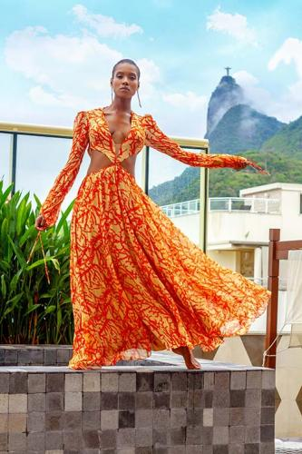 Vestido R$3.899 Meire Alves e Brincos R$59 Banana & Banana
