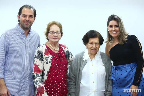 Guilherme, Maria Aparecida, Genny e Ana Paula Munia