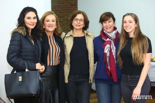 Simone, Cláudia, Luciana, Rosana e Fabiana Bistane