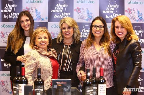 Mariana Campos, Imara Lucia Borges, Flávia Borges, Bella Haddad e Fabiana Borges