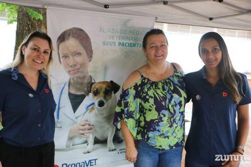 Angélica Trazzi e parceiros da Droga Vet