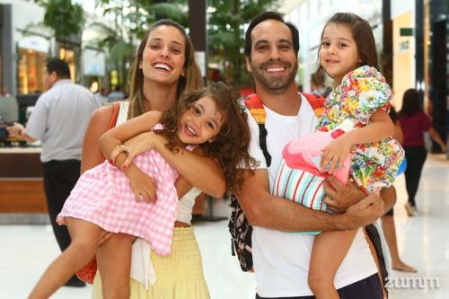 Monique, Laura, Maria e Marcos Amaral