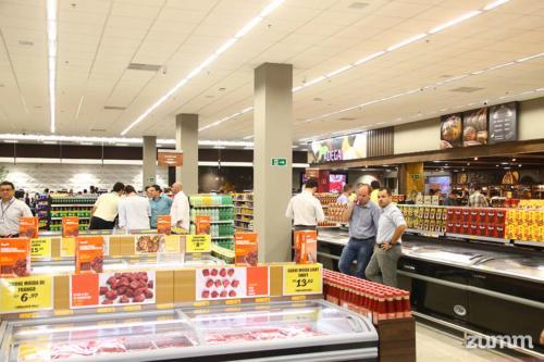 Interior da unidade Savegnago no Shopping Iguatemi