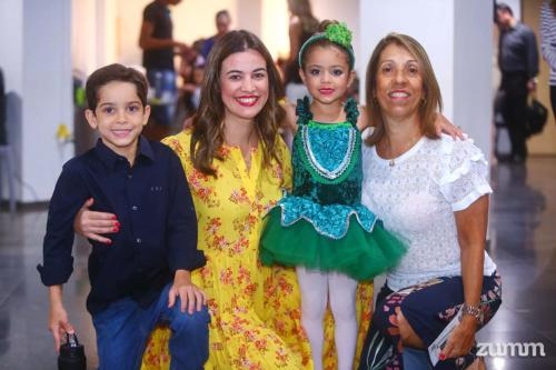 Mateus, Flávia, Manuela e Maria Helena Coimbra