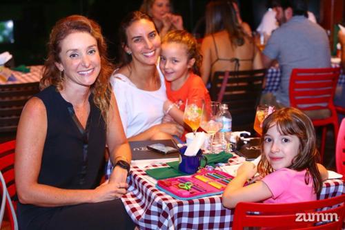 Catarina e Daniela Grigoletto, e Marina e Maria Vitória Borges