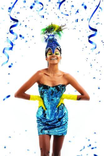 Vestido, luvas e acessório de cabeça Ateliê Sonia Roveri | Brincos Zaren Semijoias