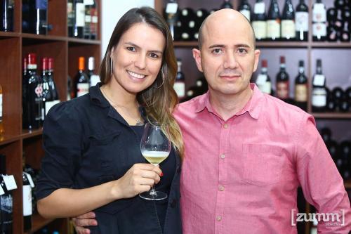 Nayra Brito e Sérgio Musolino