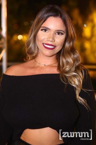 Jheneffer Carvalho