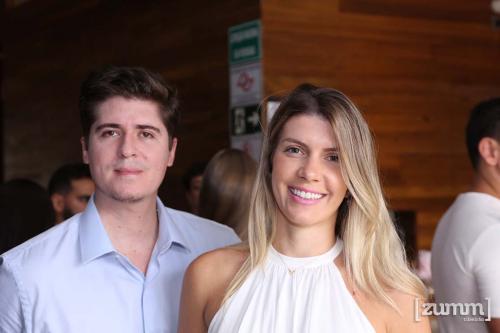 Jean Zuccatti e Camila Villa