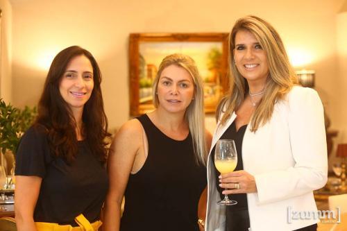 Carla, Ana Paula Perone e Regina Gasparini