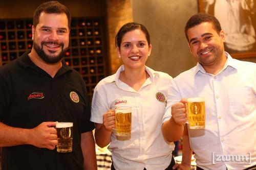 Rafael Souza , Lais Bianchi e Thiago Fernandes
