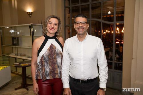 Viviane Mendonça e Rodrigo Fialho