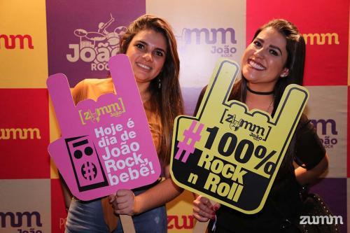 Marina Oliveira e Camila Anastácio