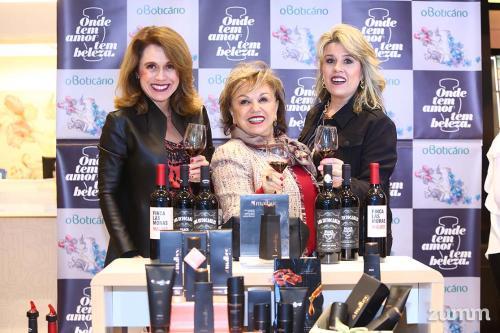 Fabiana, Imara Lucia e Flavia Borges