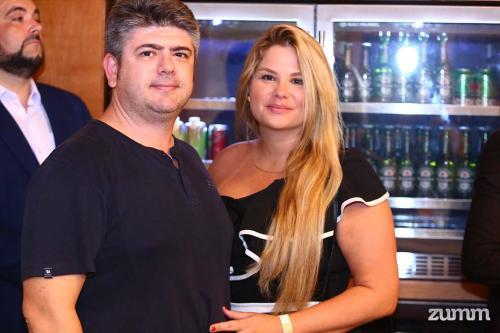 Adriano Brunette e Cristiane Iossi