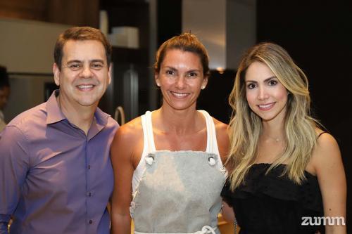 Sandro Sousa, Adizza Bonini e Camila Strang
