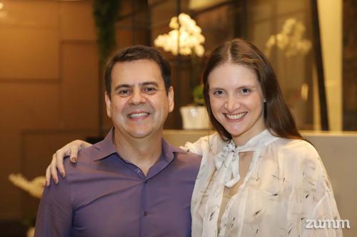 Sandro Sousa e Renata Xelegati