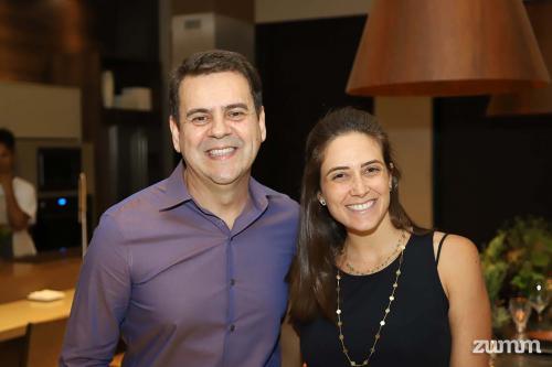 Sandro Sousa e Victoria Fadul