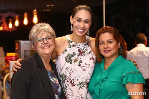 Regina Invernize, Aline Paula e Daniela Kiya