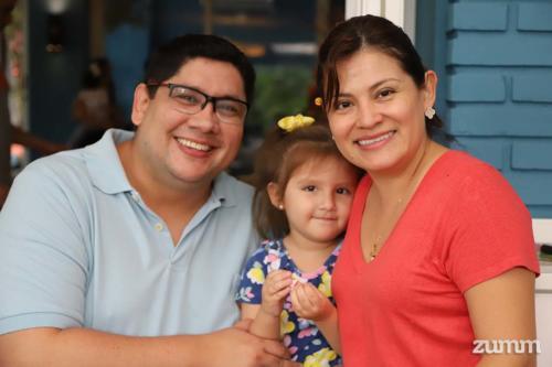 Jorge, Valentina e Janine Cuevas