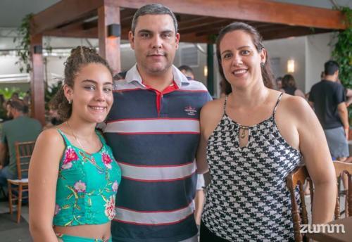 Alice e André Biagi Paulista, e Angélica Ribeiro