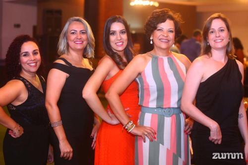 Daniela Demiliano, Michely Camilo, Isabela Moura, Angela Duarte e Natália Zerbeto